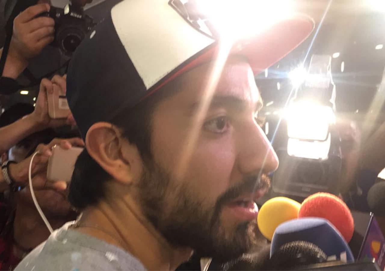 Niño que intentaba tomarse una foto con Pizarro se hace viral