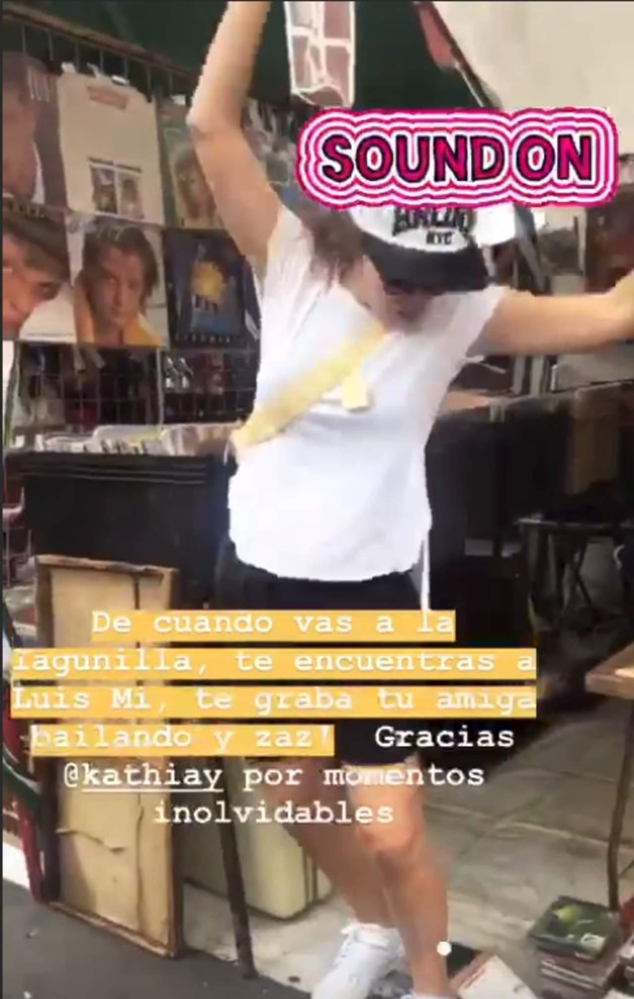 Camila Sodi sufre pequeño accidente en el tianguis