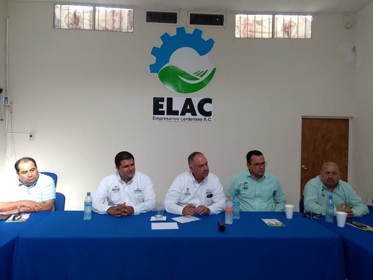 Empresarios se reúnen en Lerdo con candidato