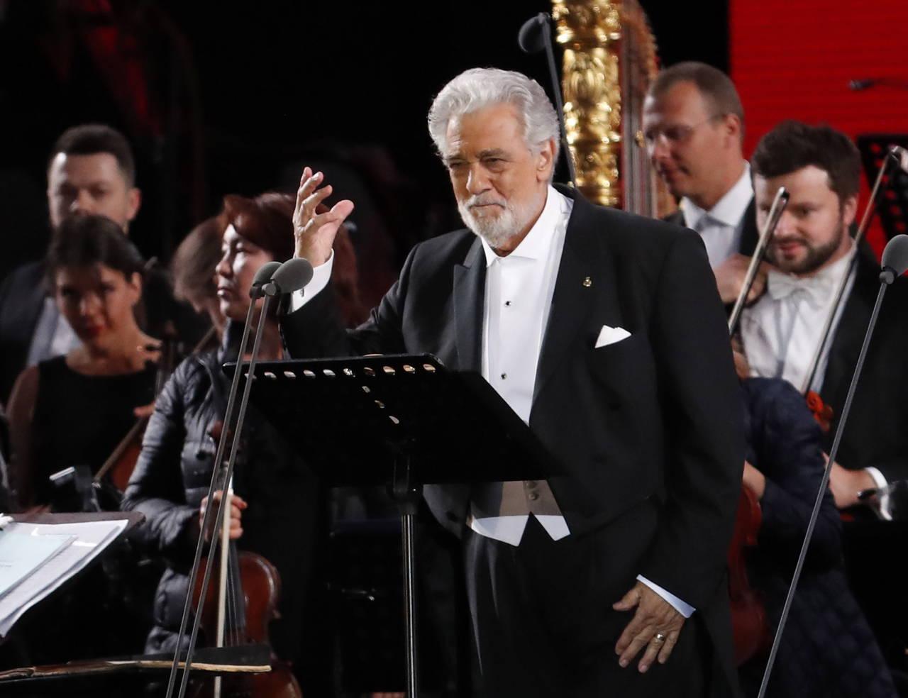 Plácido Domingo inicia la fiesta mundialista