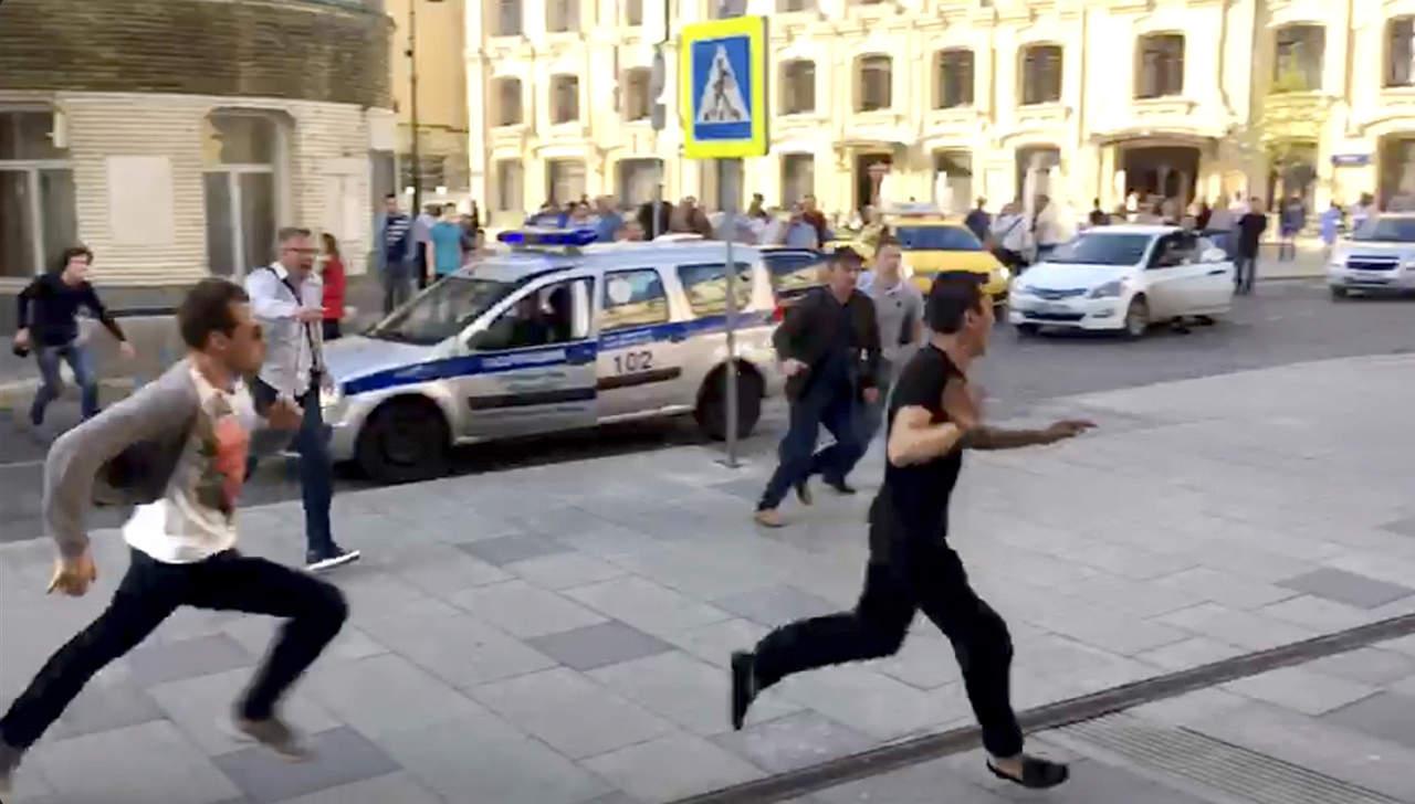 A prisión preventiva, taxista que atropelló a peatones en Moscú