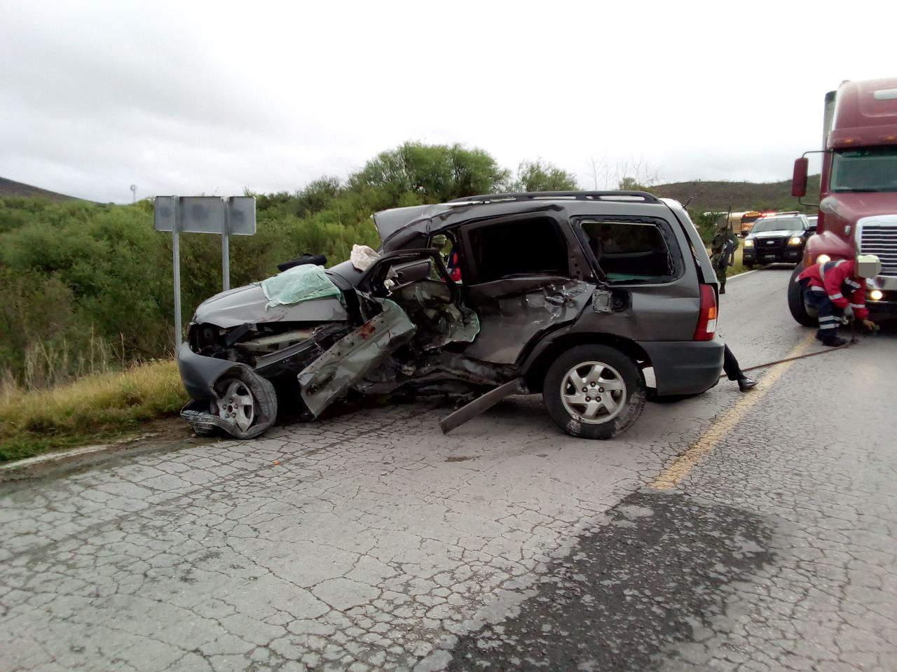 Accidente en la carretera Gómez Palacio-Durango deja un muerto y un herido