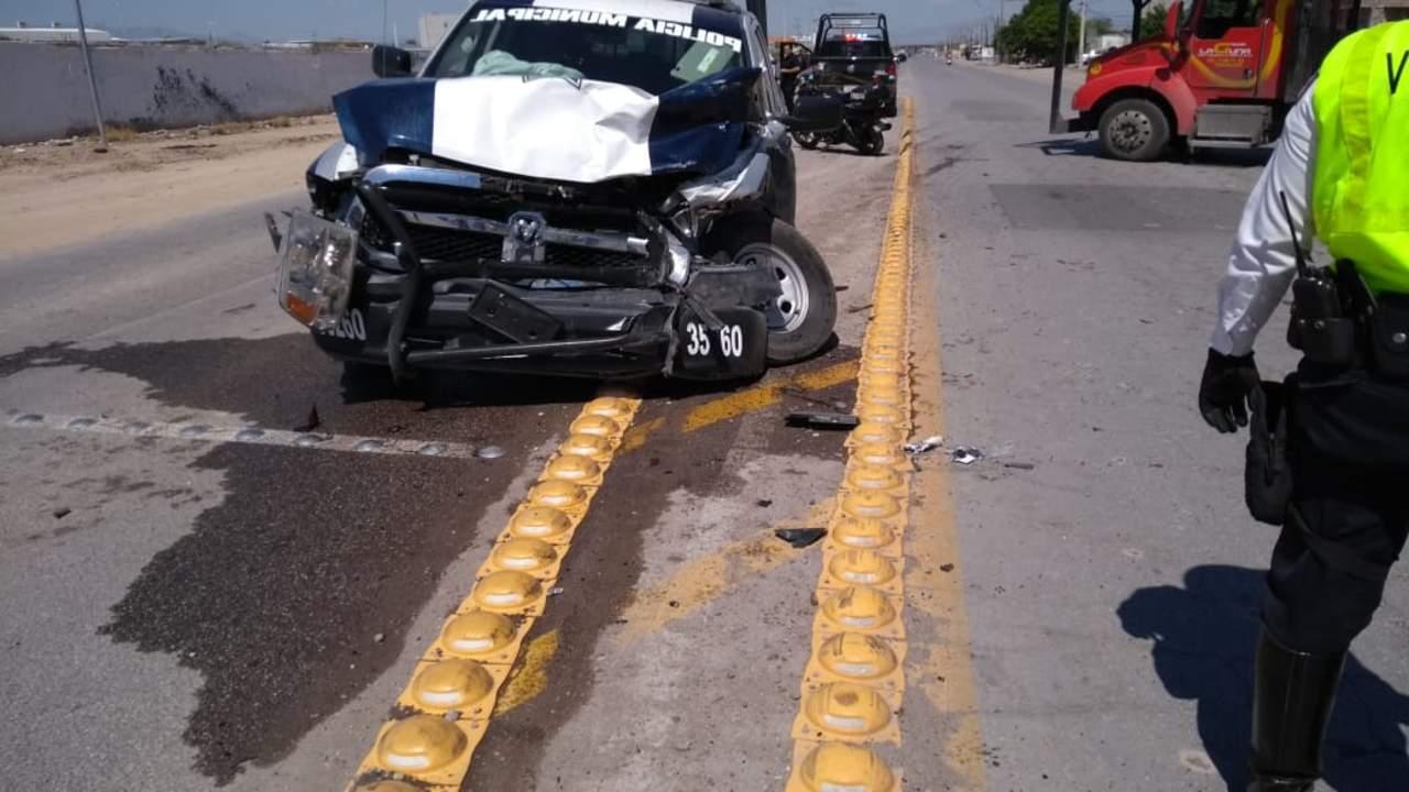 Patrulla choca vehículo de esposa de Guillermo Anaya