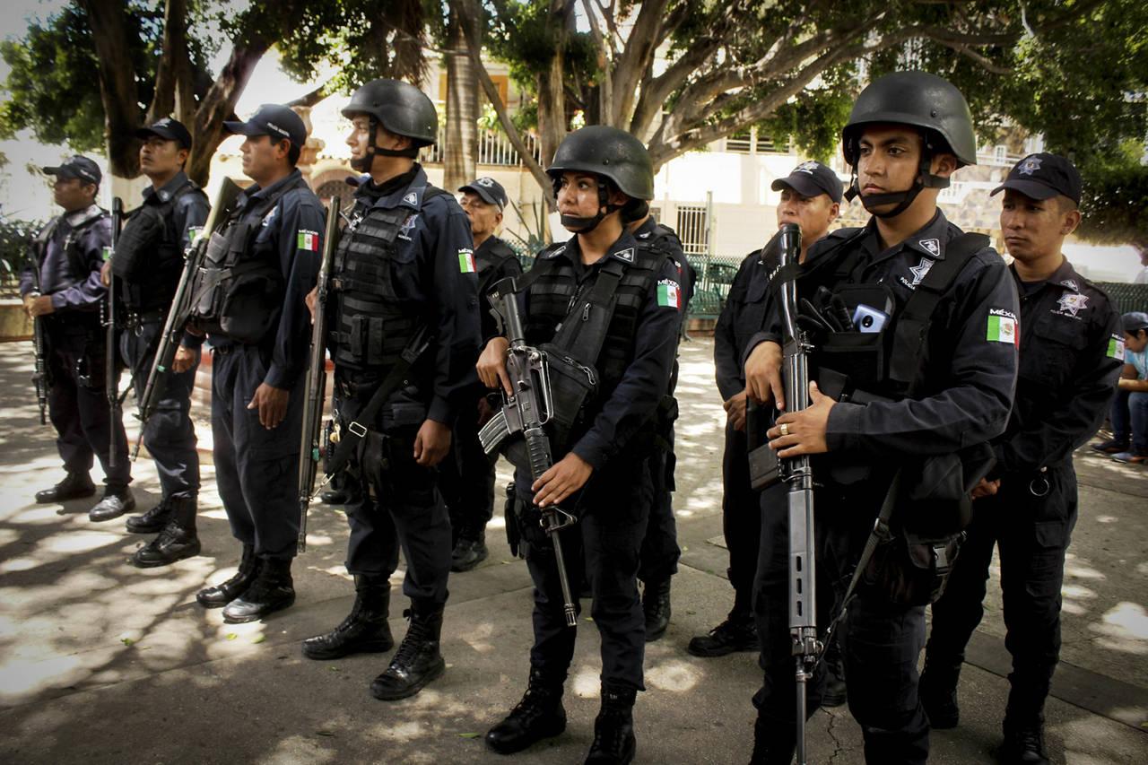 Policías de Nuevo Ideal trabajan sin seguro social