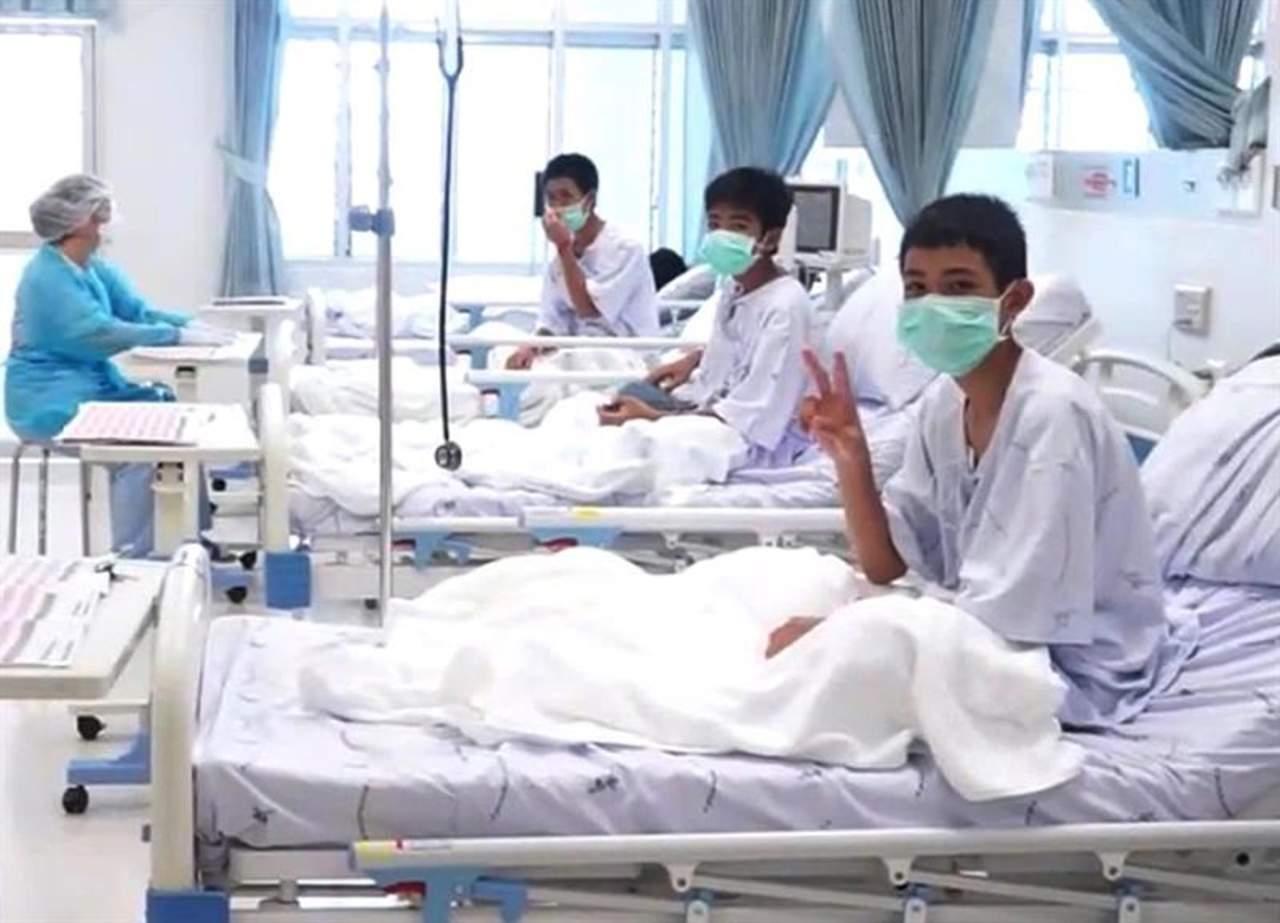 Difunden primer video de niños rescatados en el hospital de Tailandia