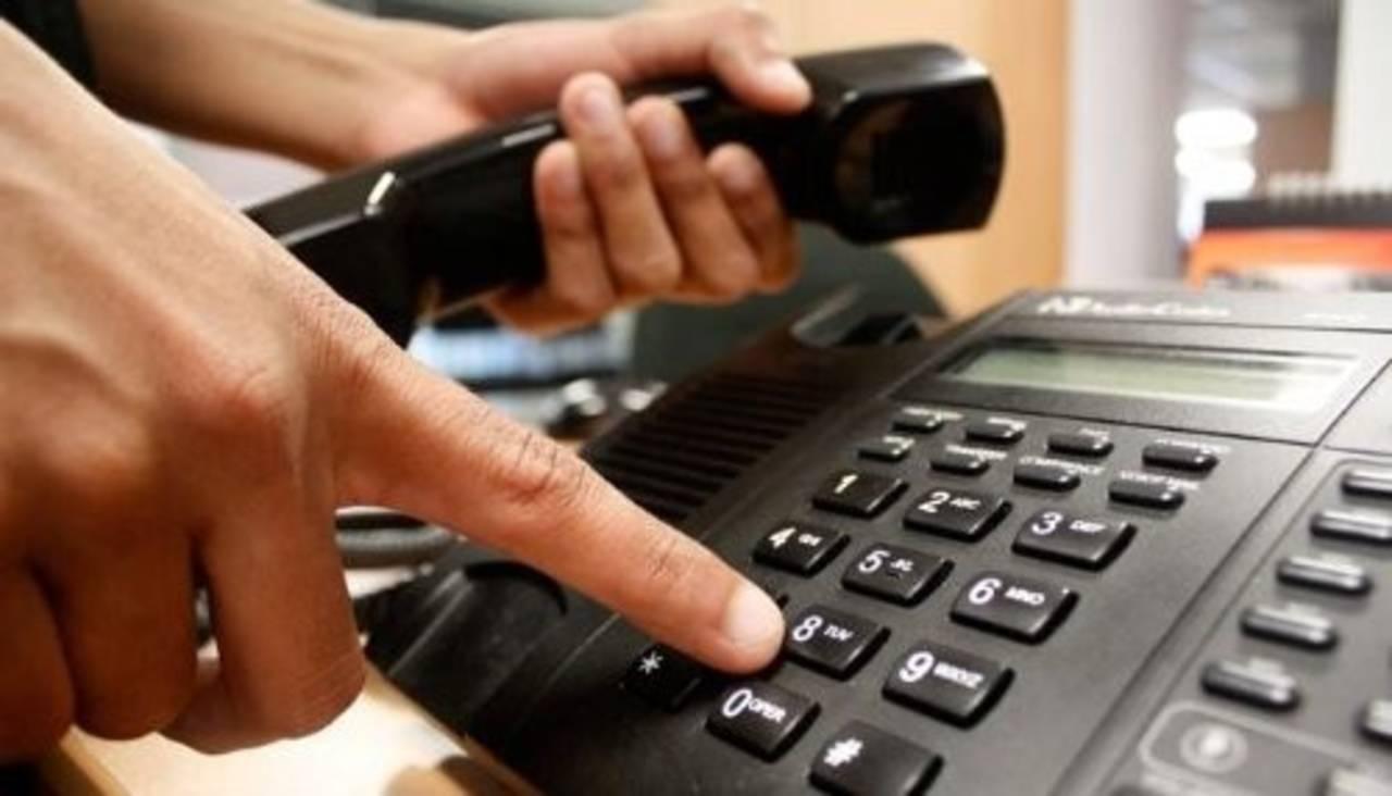 Bajan líneas de telefonía fija