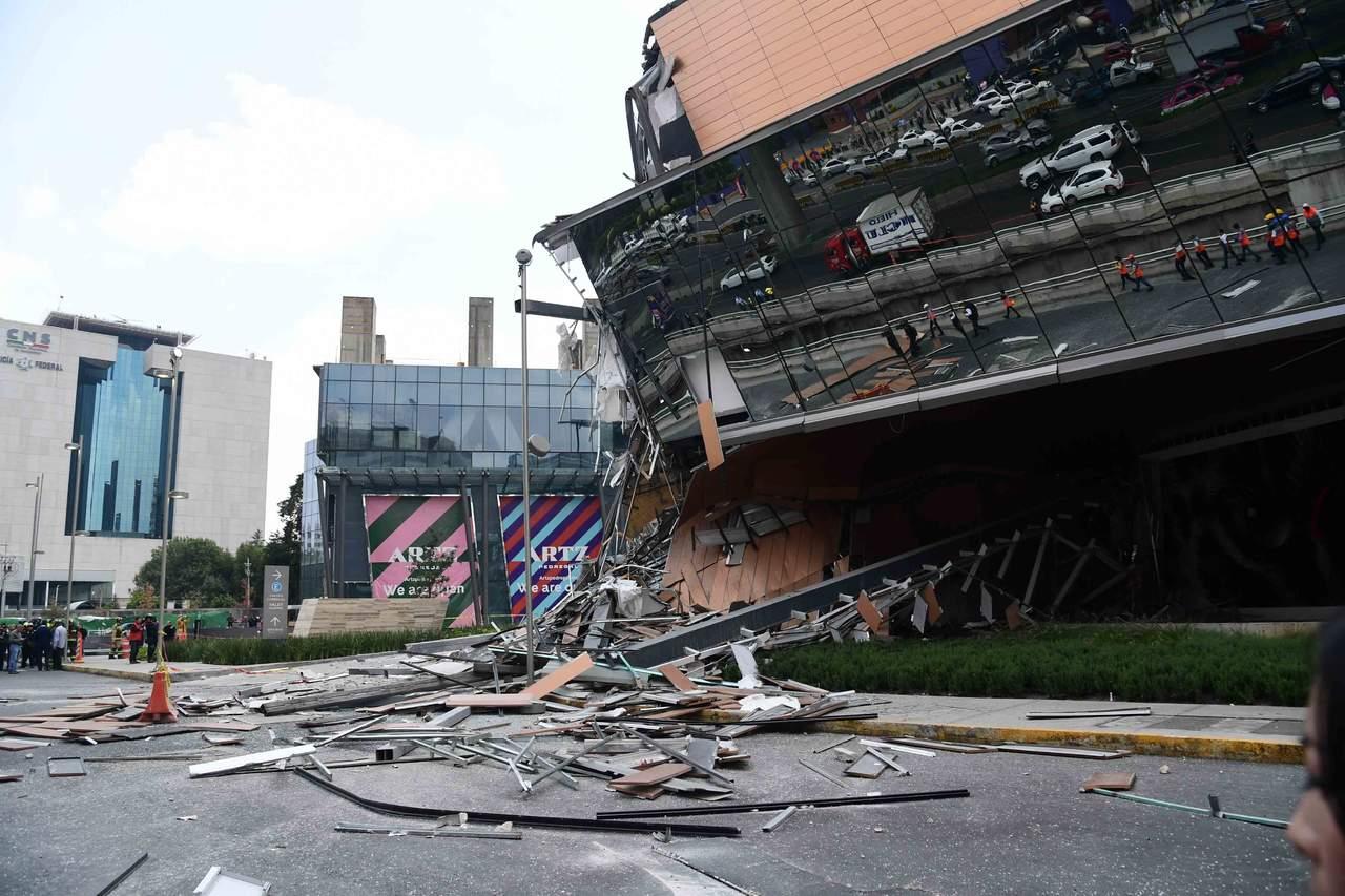 Atribuyen a jardín de techo colapso de Plaza Artz