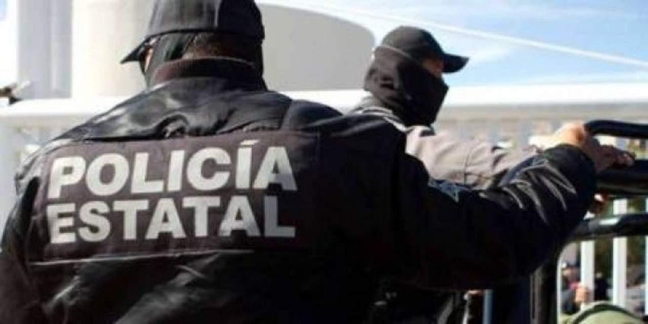 Golpean y exhiben a supuestos defraudadores en Hidalgo