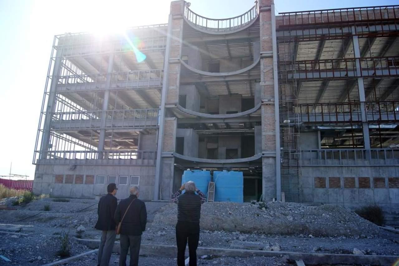 Ladrones ingresan al nuevo edificio del ine coahuila se for Equipo de oficina