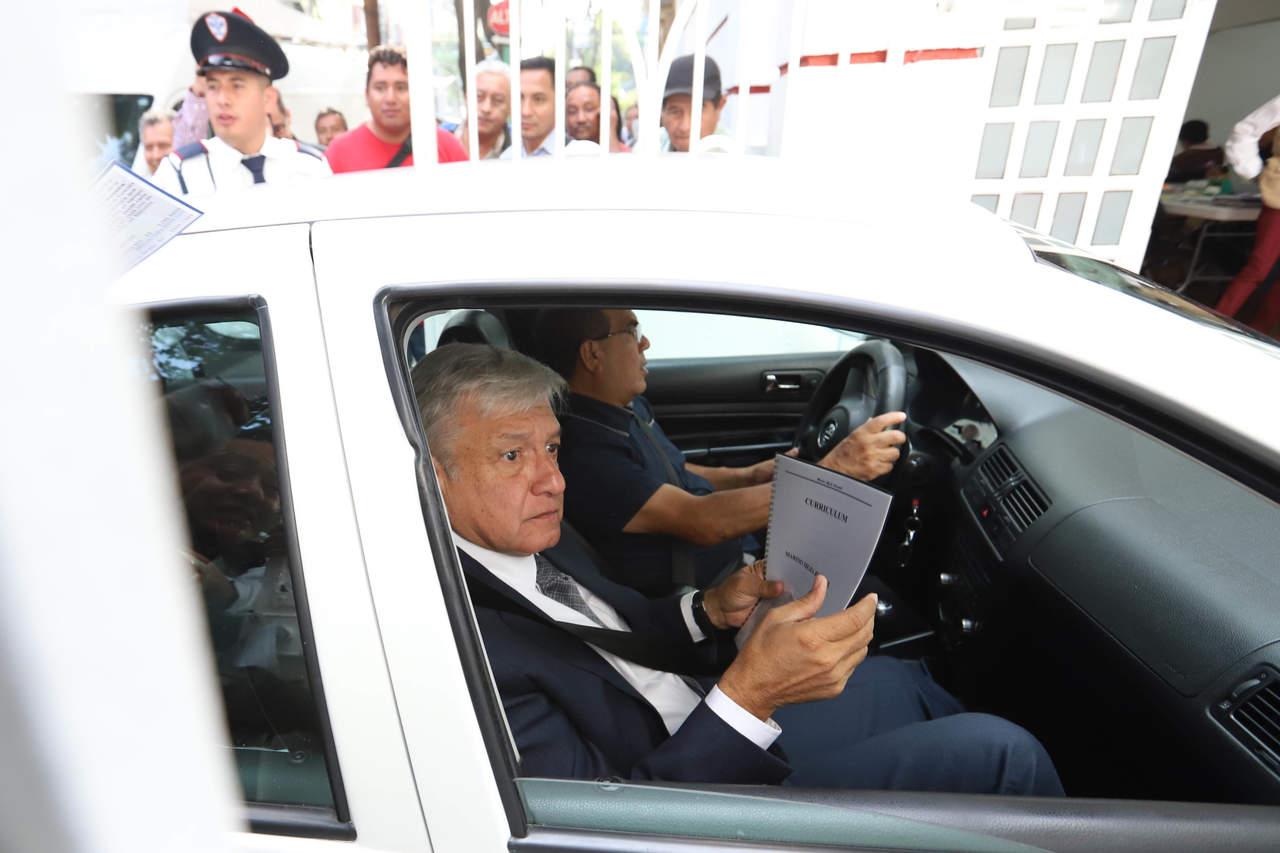 Reúne AMLO a gabinete previo a encuentro con Peña Nieto
