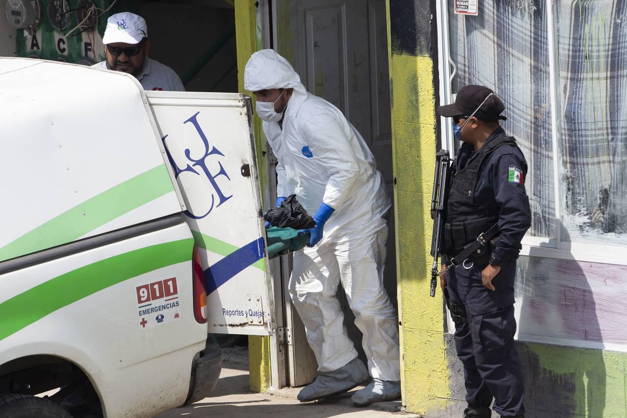 Suman 38 cuerpos hallados en 6 fosas