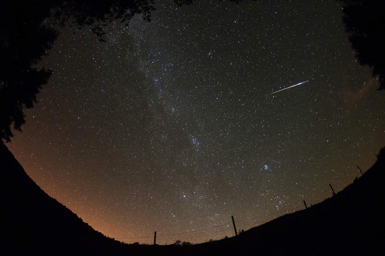 Lluvia de estrellas intensas iluminará el cielo este fin de semana