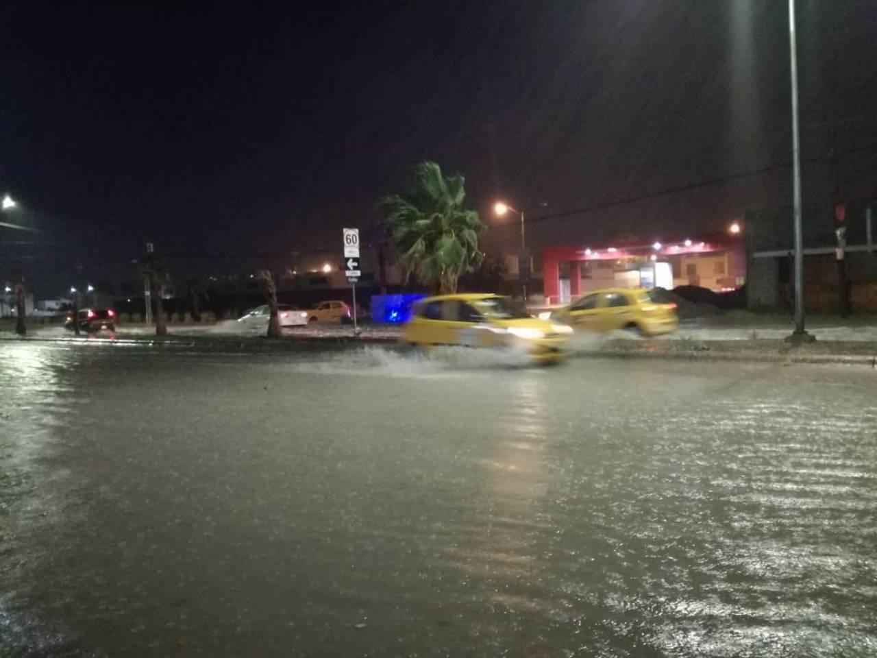 Azota fuerte lluvia en La Laguna
