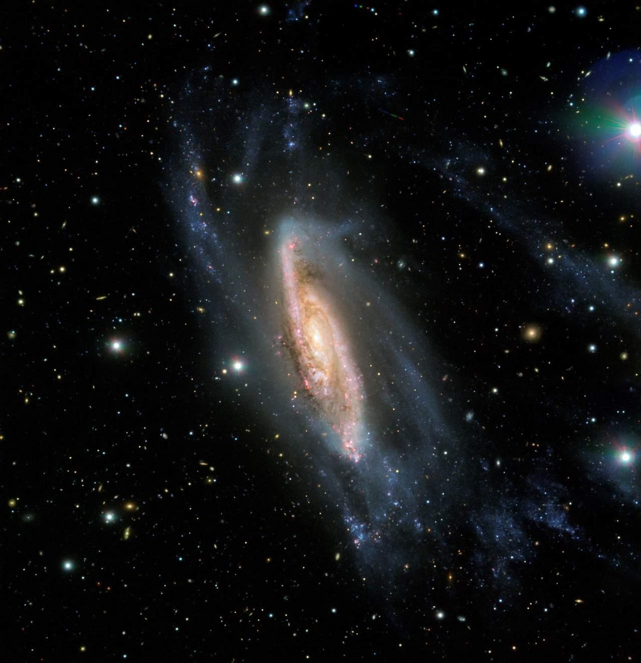 Retrata ESO interesante galaxia espiral