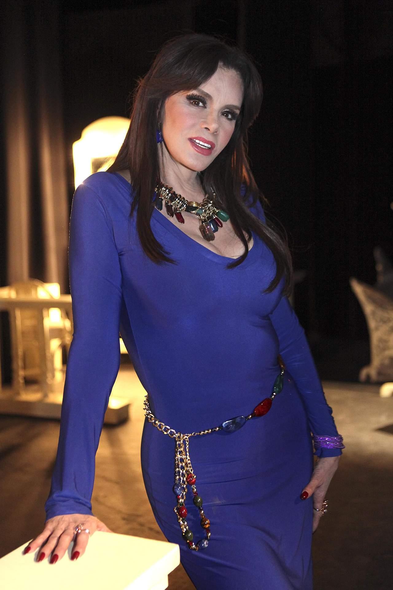 Lucía Méndez usa ropa casual en gimnasio