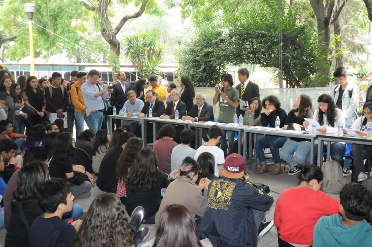 Graue acepta pliego petitorio de estudiantes del CCH Azcapotzalco