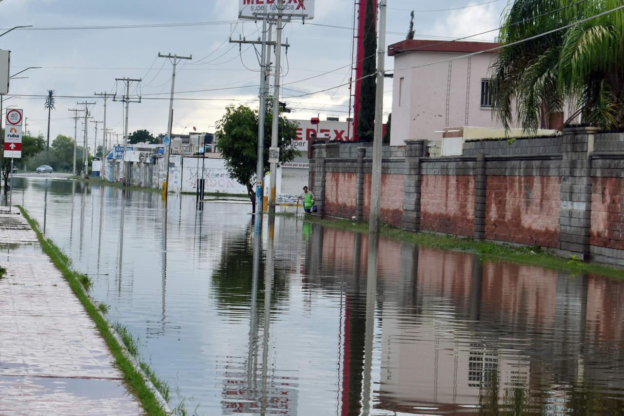 Crucero sigue inundado