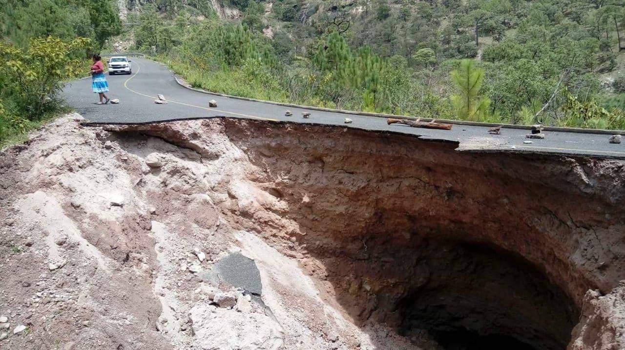 Al menos 40 comunidades afectadas por socavón Durango