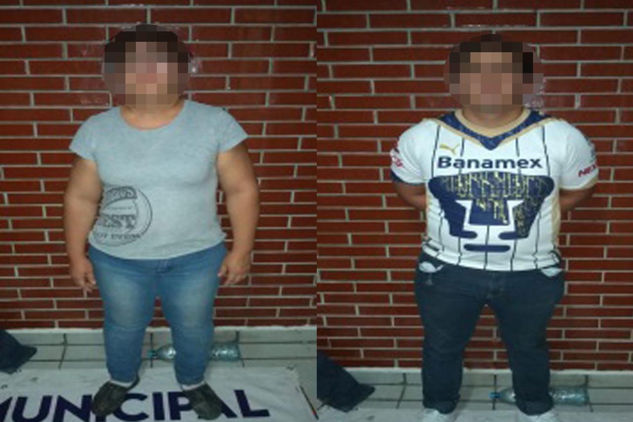 Arrestan a madre e hijo por golpear a la suegra