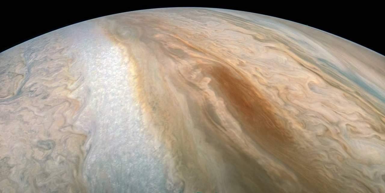 NASA muestra imagen de región ciclónica en sur de Júpiter