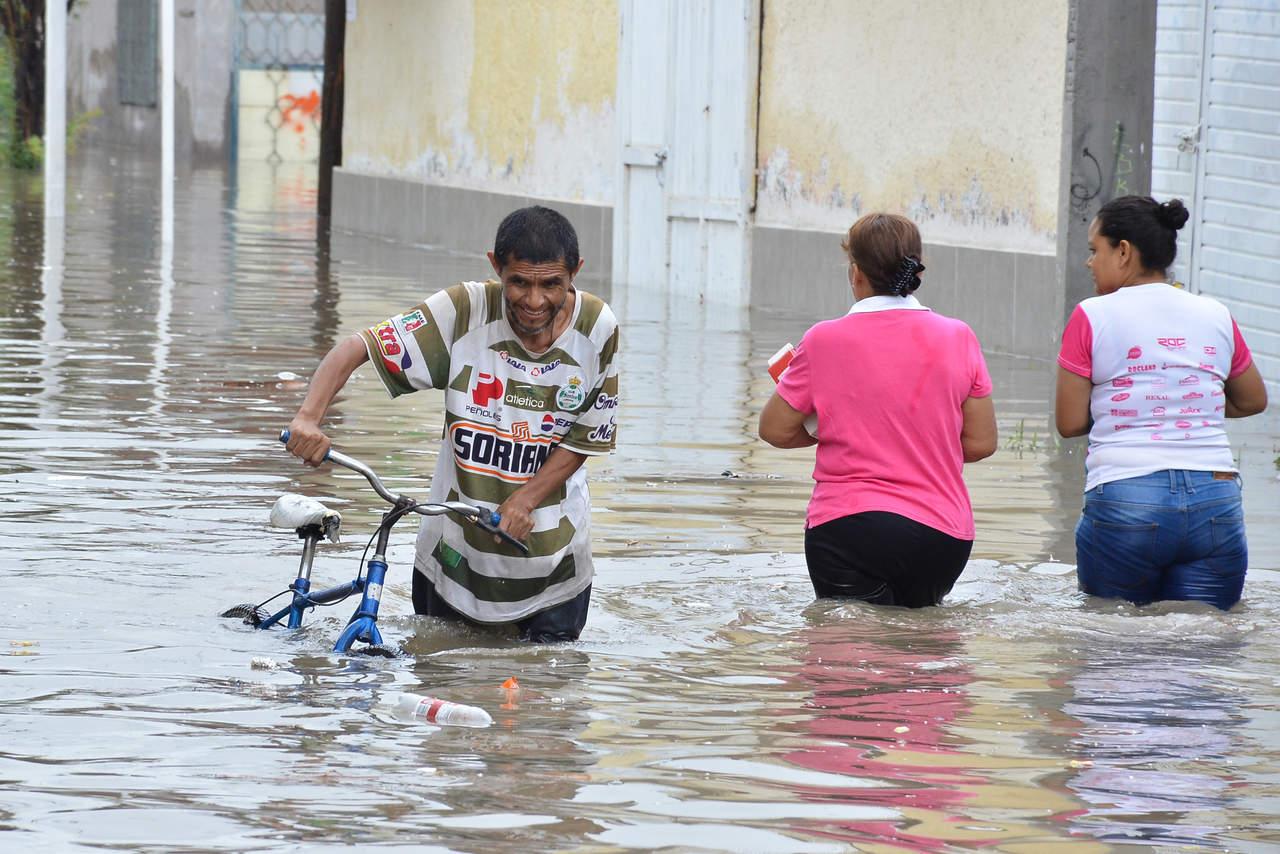 Calculan 140,000 afectados por inundaciones