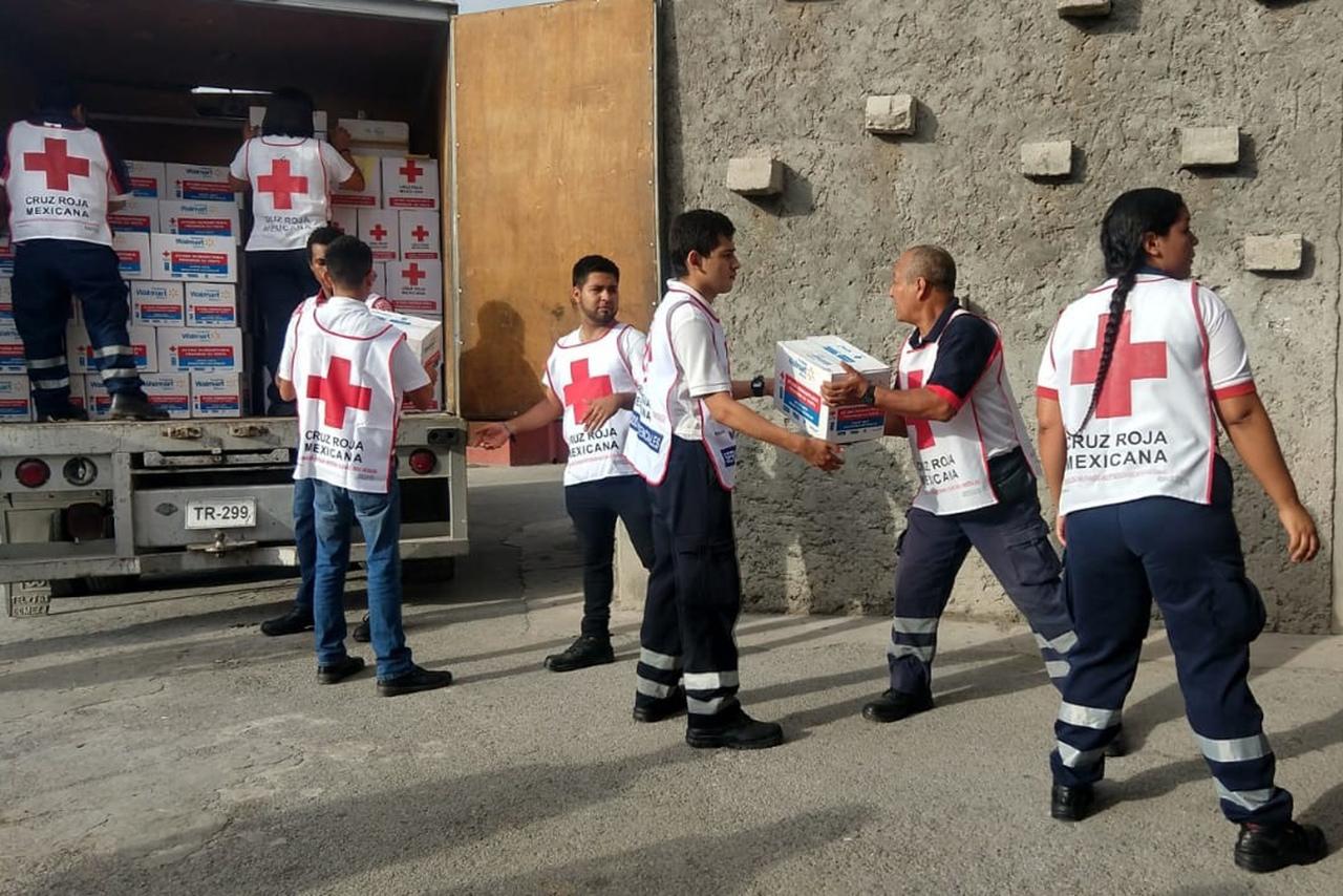 Cruz Roja entrega apoyos a los damnificados