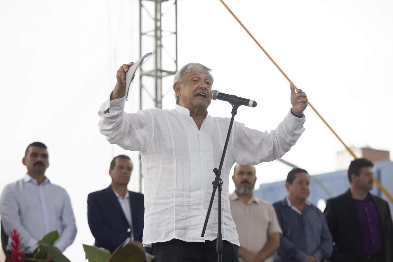 Reviven polémica López Obrador e IP