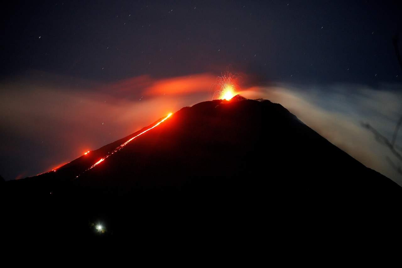 Sigue aumentando número de muertos por Volcán de Fuego; van 178