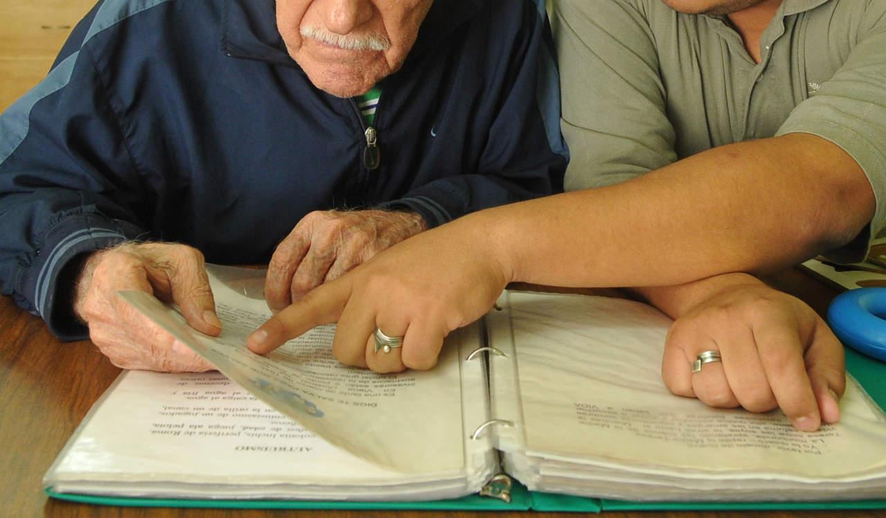 Aprender lenguas es bueno contra el Alzheimer