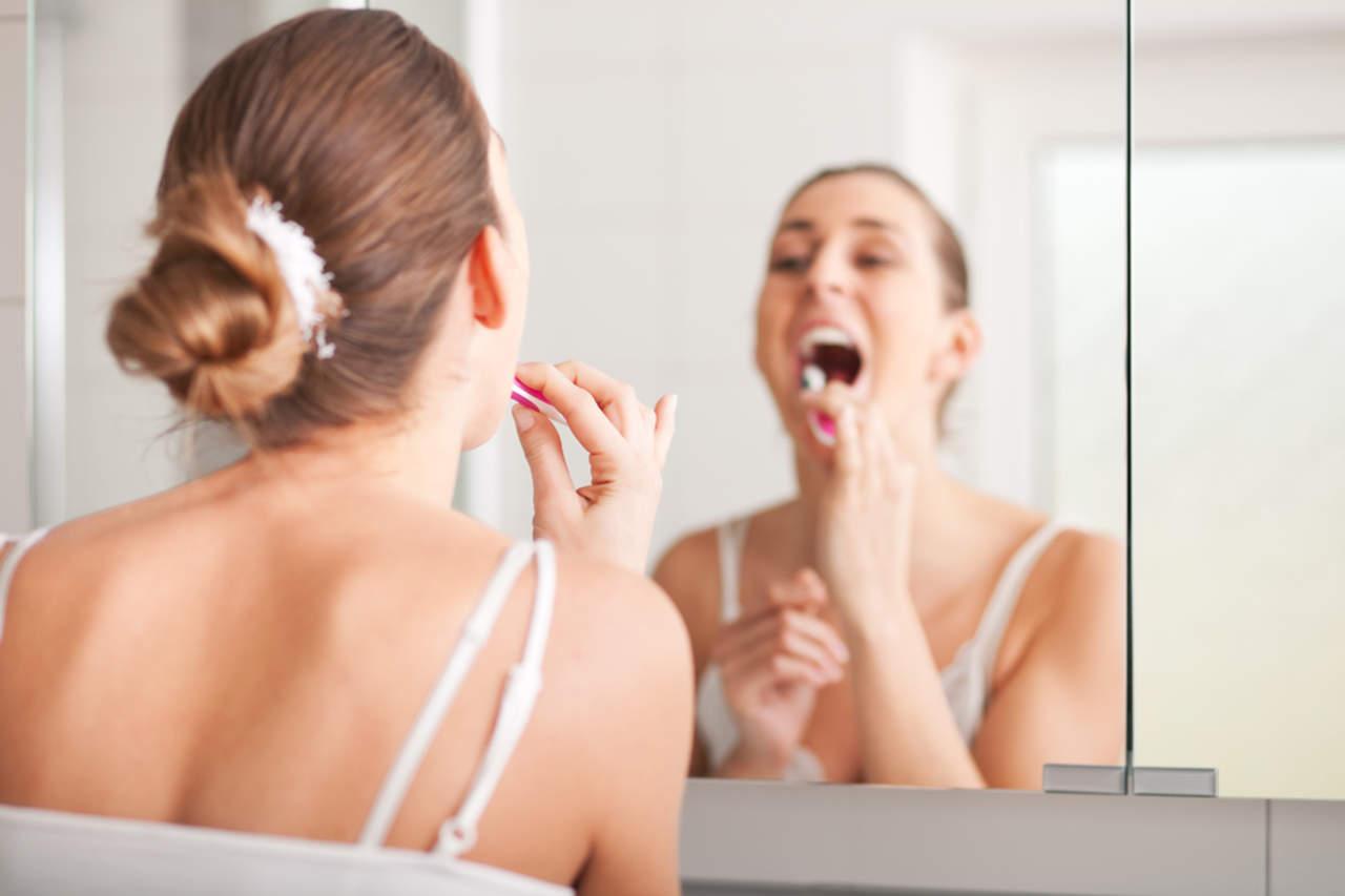 Riesgos del cepillado de dientes excesivo
