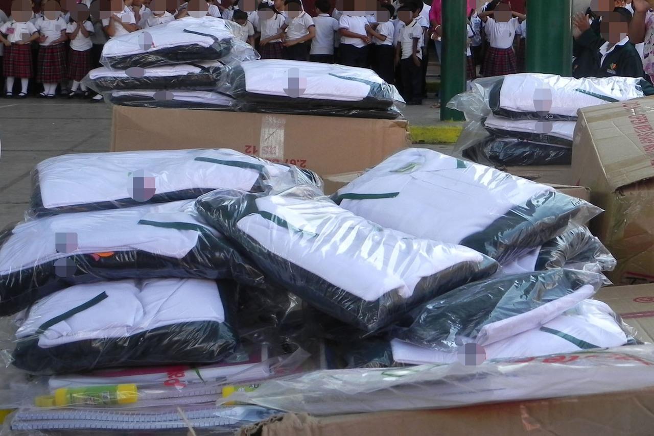 Entregarán uniformes en Gómez Palacio