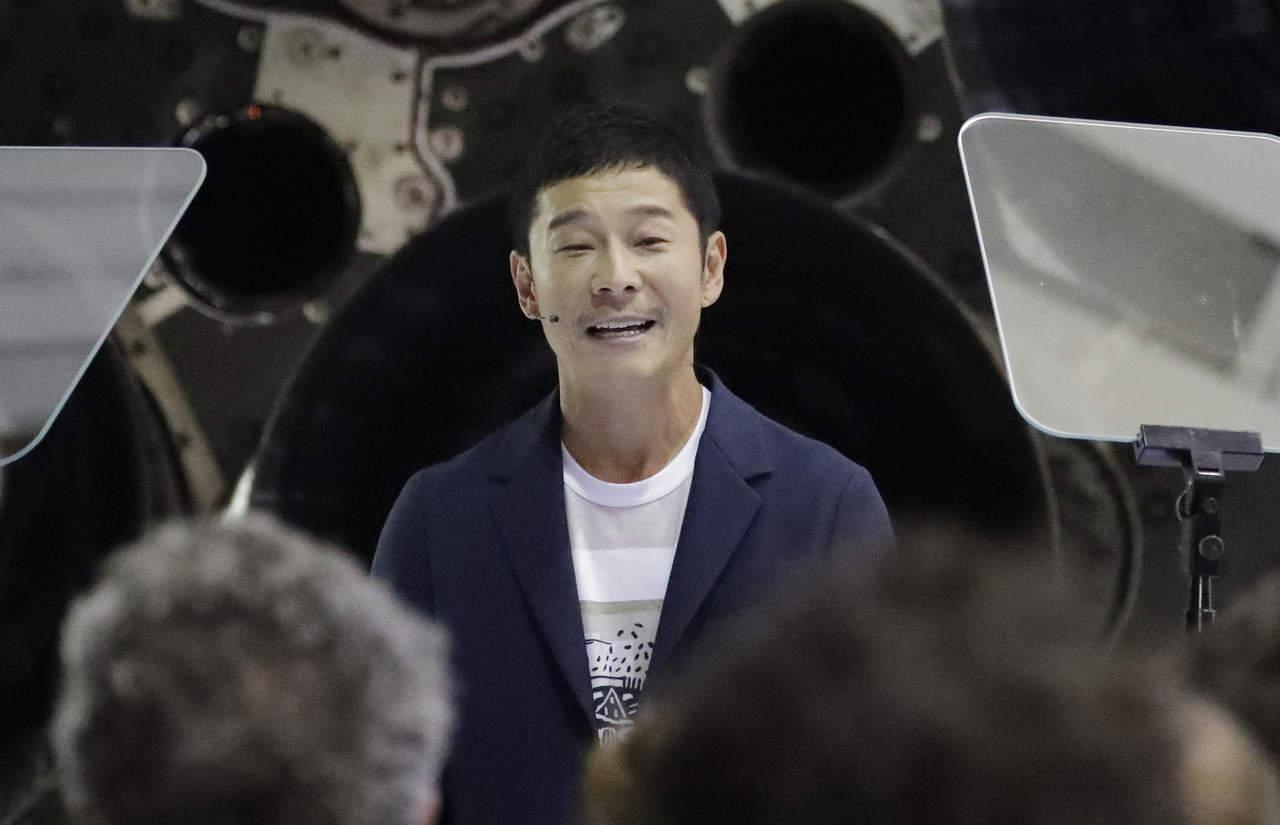 Primer turista espacial a la Luna viajará con 8 artistas