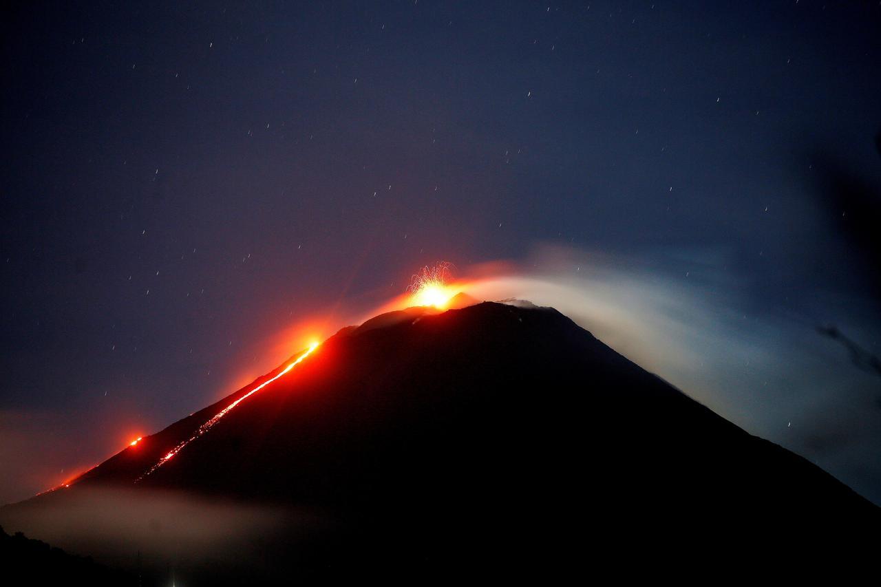 Suben a 190 muertos por el Volcán de Fuego
