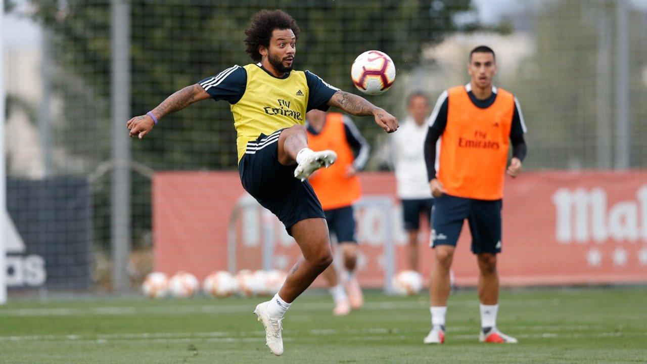 Marcelo entrena al parejo con el Madrid