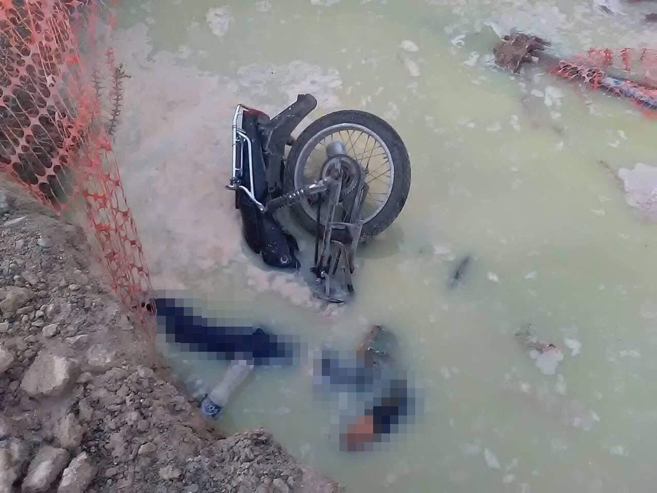 Muere motociclista al caer en zanja en Torreón