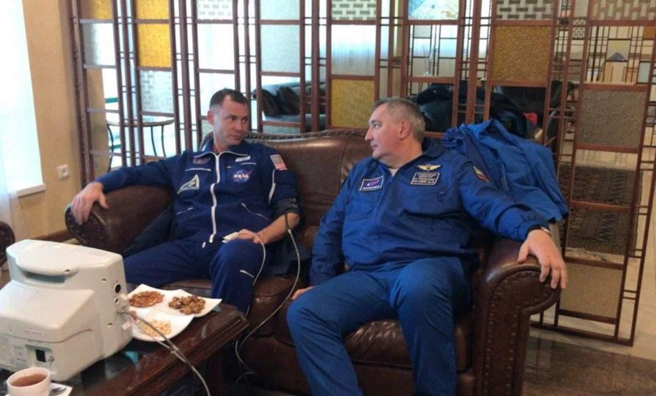 A salvo, tripulación de la Soyuz que abortó viaje a la EEI