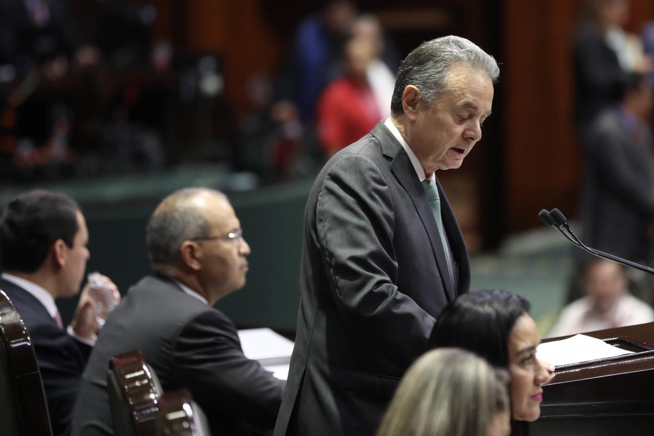 Joaquín Coldwell ve riesgos al reducir IEPS a gasolina