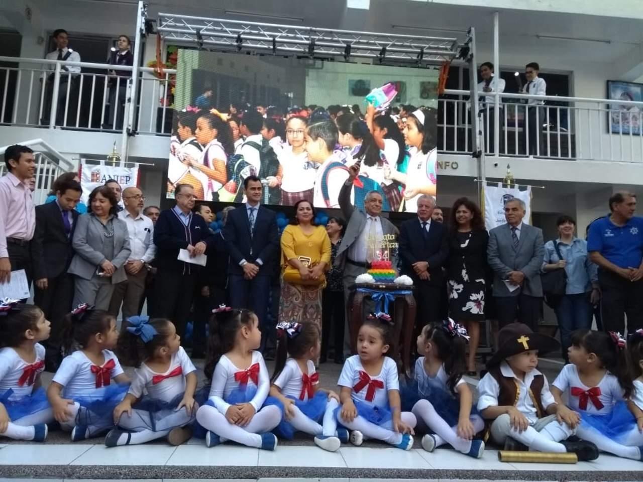 Celebra Colegio América de Torreón 54 años de historia