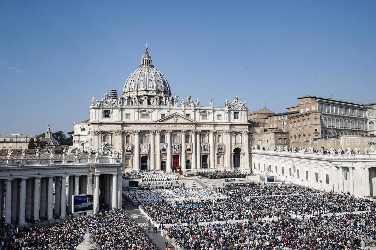 Papa Francisco proclama santo al arzobispo Romero
