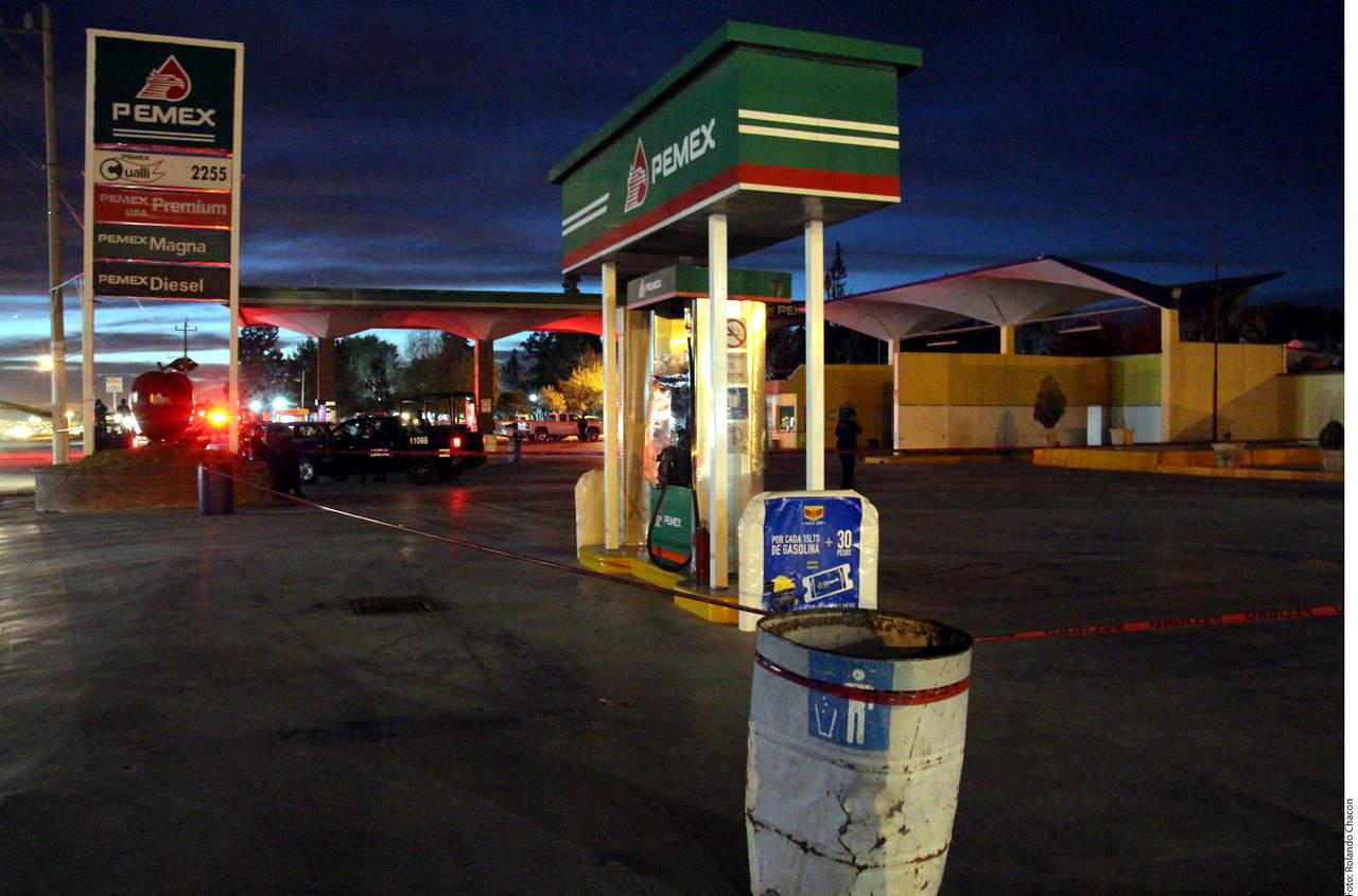 Puede huachicolero operar cuatro gasolineras