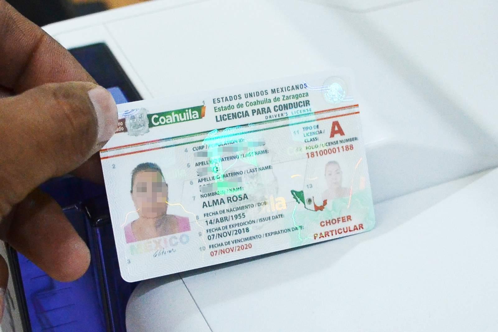 Expiden en Coahuila licencias de conducir con