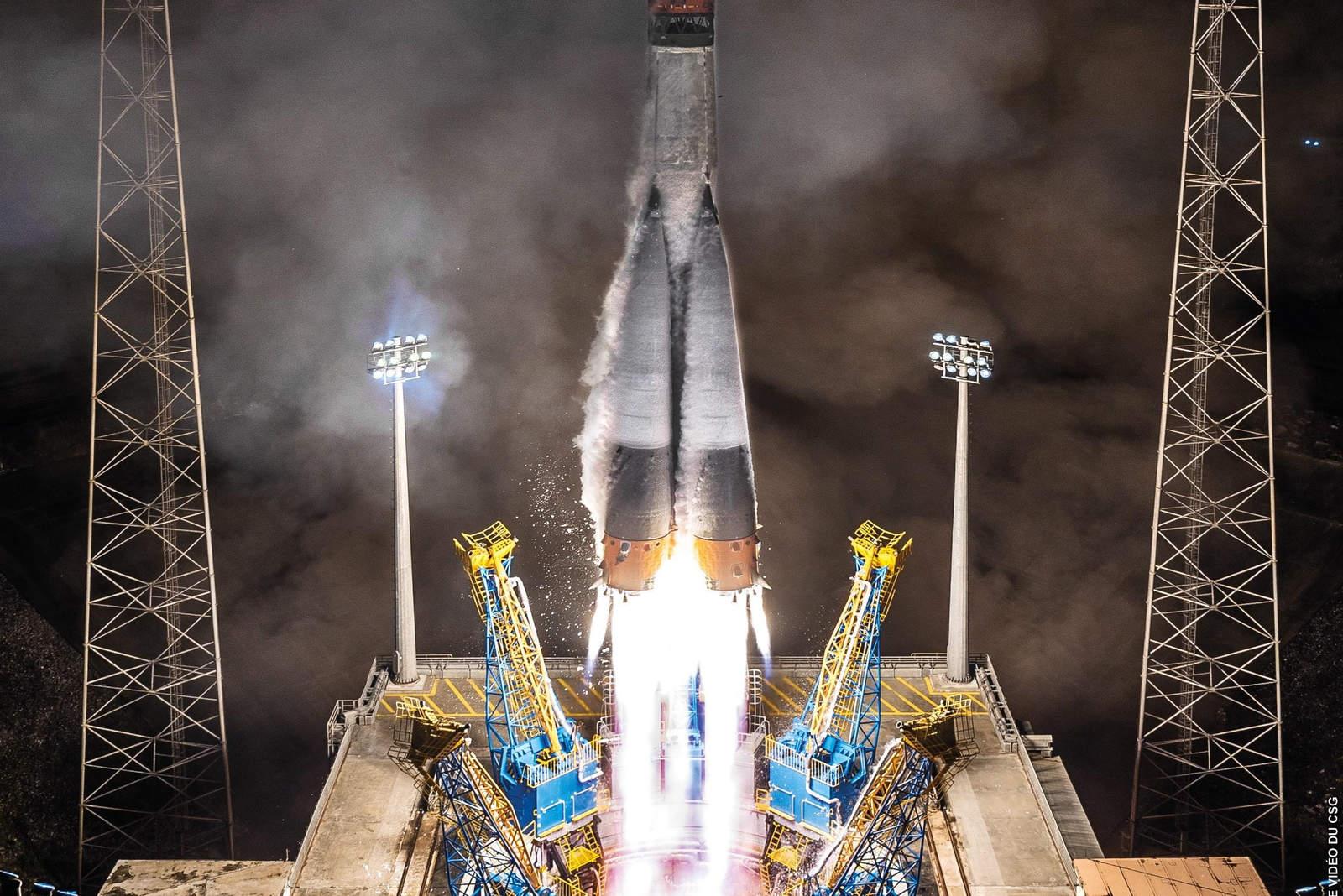 Lanzan con éxito satélite meteorológico MetOp-C
