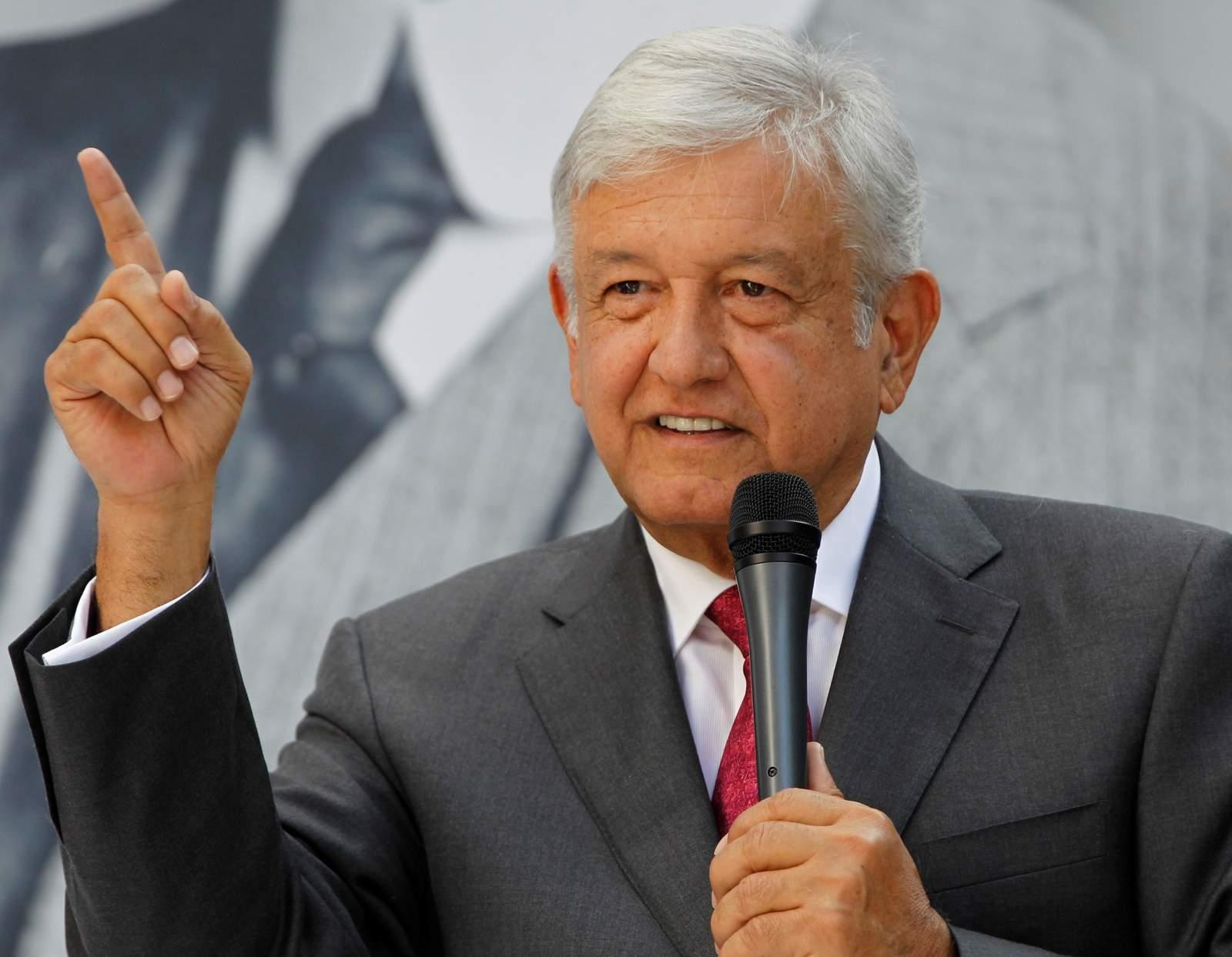Cumple López Obrador 65 años