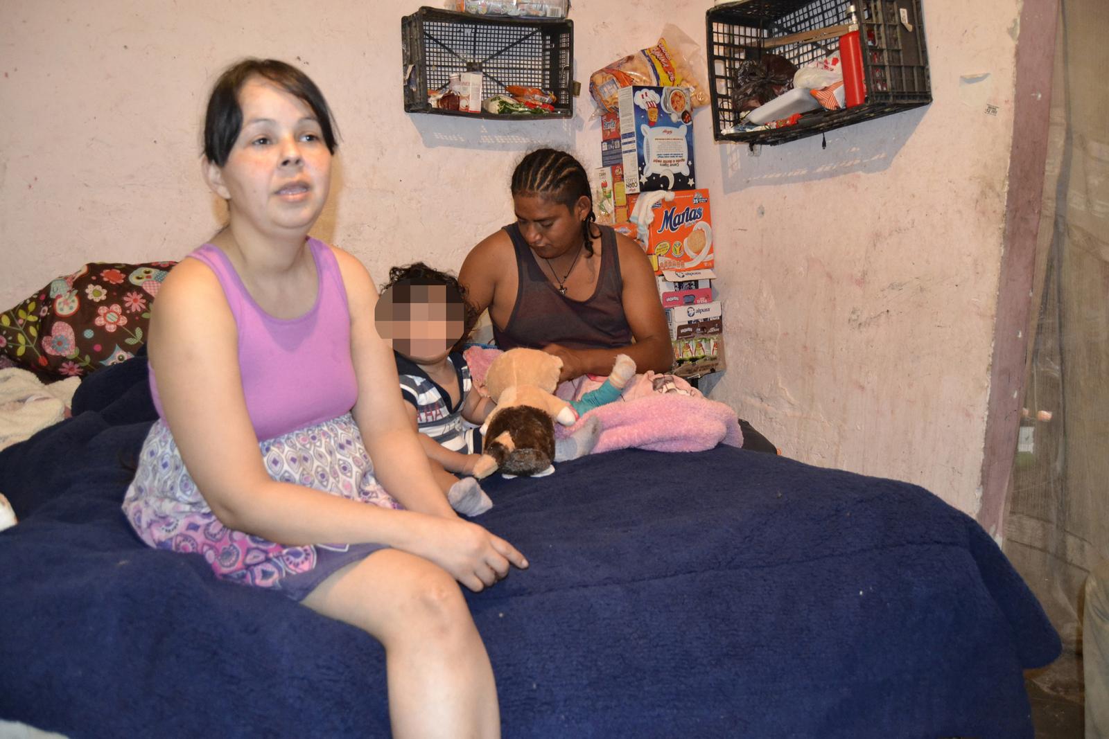 Responden laguneros a llamado de ayuda para Adriana y sus hijos