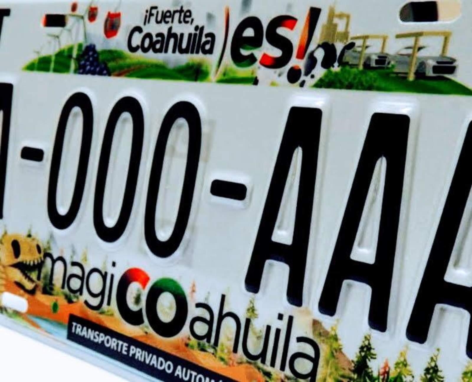Presentan nuevas placas vehiculares en Coahuila