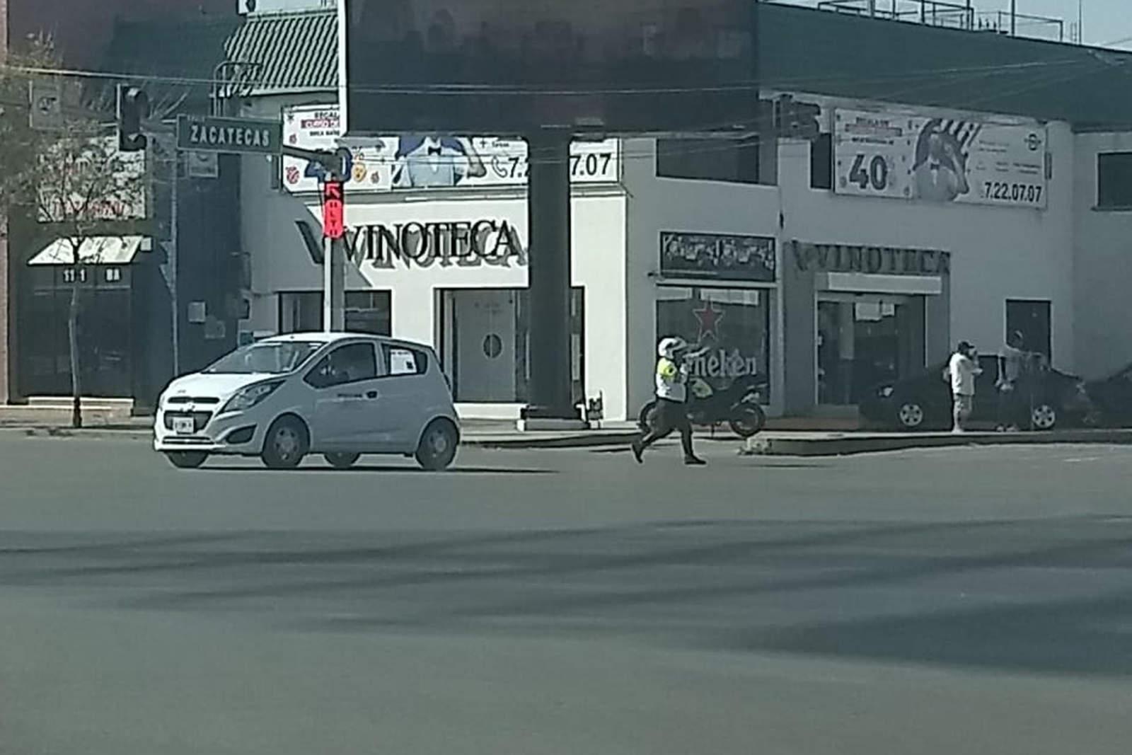 Detienen el tránsito