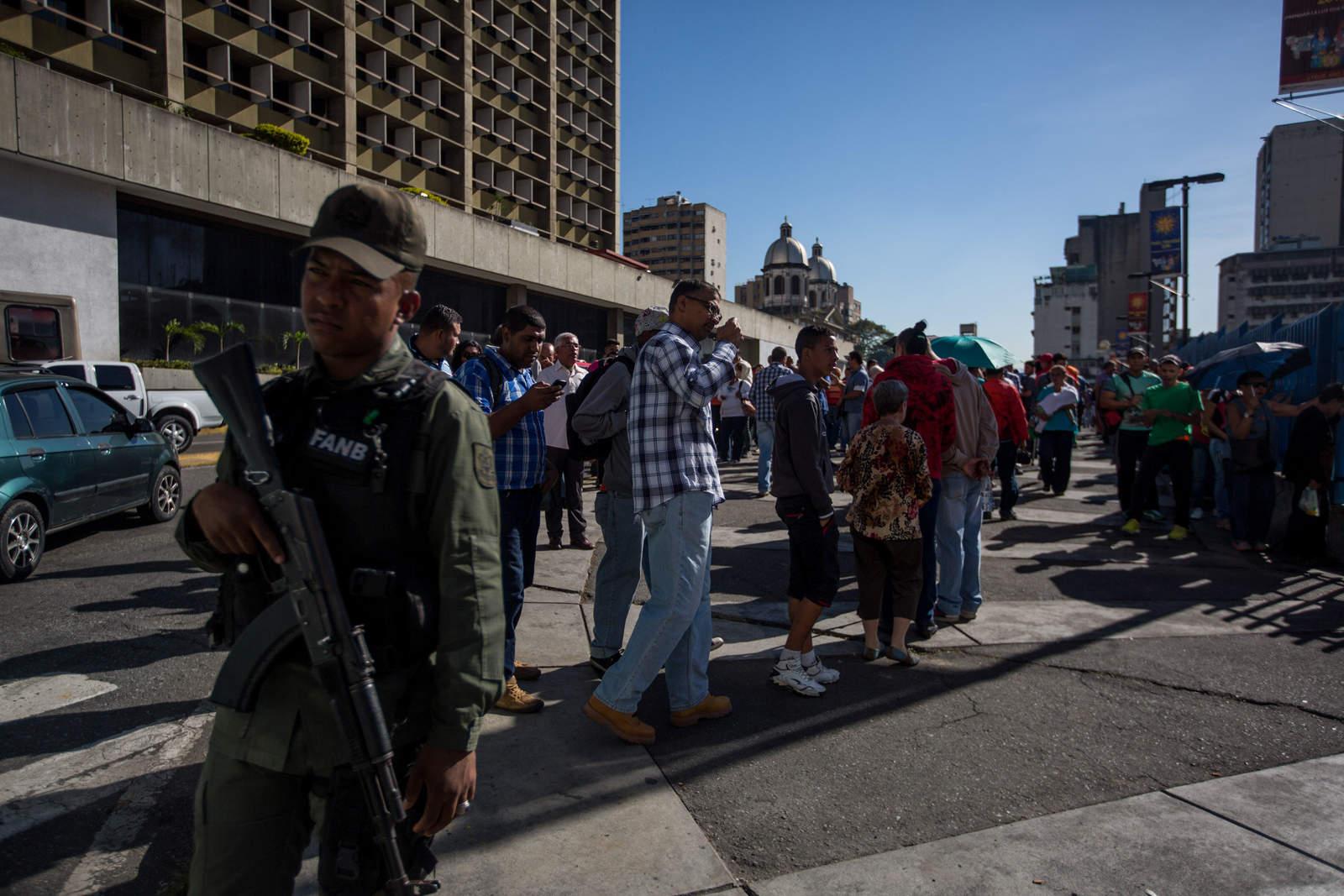 Clausuran simbólicamente el Banco Central de Venezuela