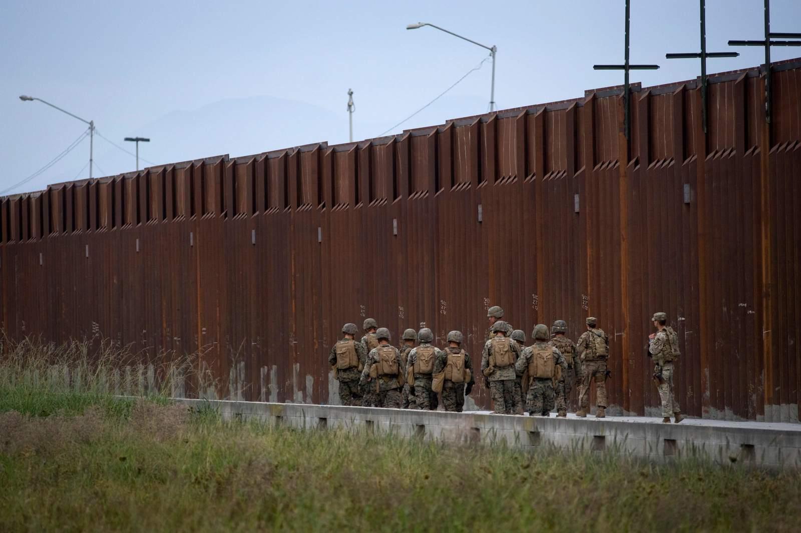 Republicanos proponen que indocumentados paguen el muro de Trump