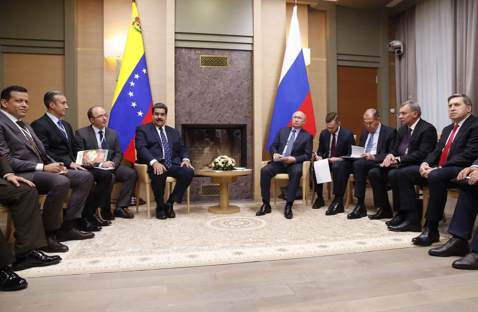 Maduro cierra contratos con Rusia por valor de más de 6,000 mdd