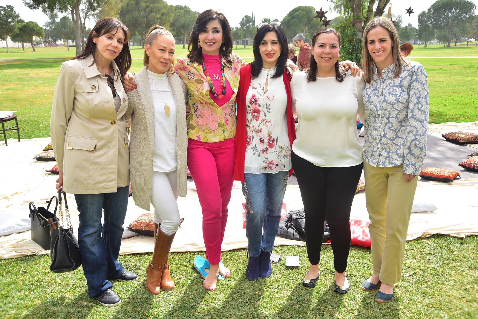 Lucía, Jessica, Mónica, Diana, Mary Cristy y Beatriz.